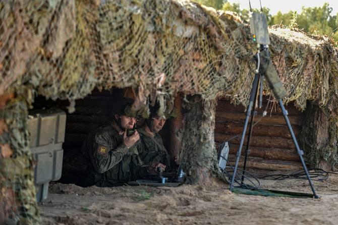 Брянские военные закидали врага гранатами