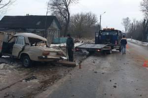 Под Суражом ВАЗ протаранил столб - погибла 21-летняя девушка