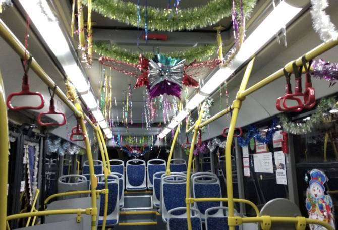 В Брянске выберут лучший новогодний автобус