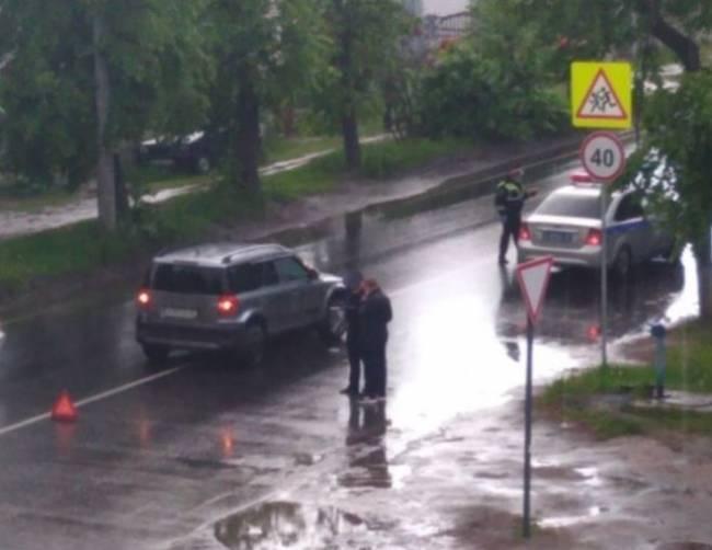 Соцсети: В Брянске водитель внедорожника сбил ребенка