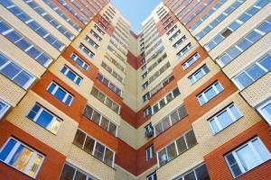 На капремонт брянских многоэтажек потратят миллиард