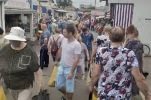 Володарский рынок стал территорией, свободной от масок