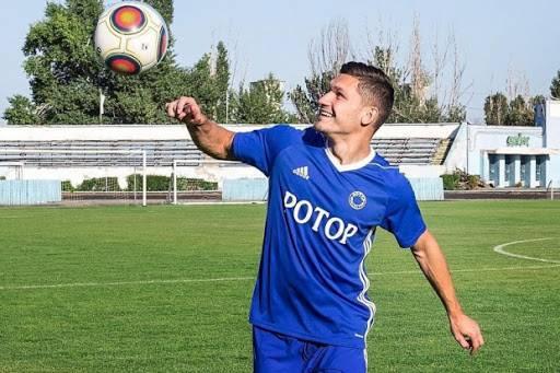 Брянский футболист начнет играть в премьер-лиге
