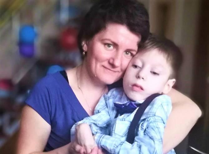 Брянцы собрали на лечение тяжелобольному 12-летнему мальчику 70 тысяч рублей