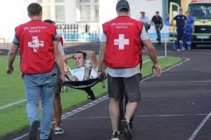 Матч динамовцев Брянска и Владивостока омрачился переломом ноги футболиста