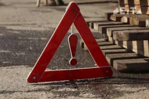 В Трубчевском районе лоб в лоб столкнулись легковушки: ранен 37-летний водитель