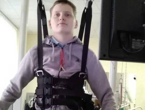 На Брянщине собирают деньги на лечение получившего страшную травму парня