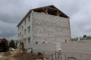В Суземке завершается строительство дома для сирот