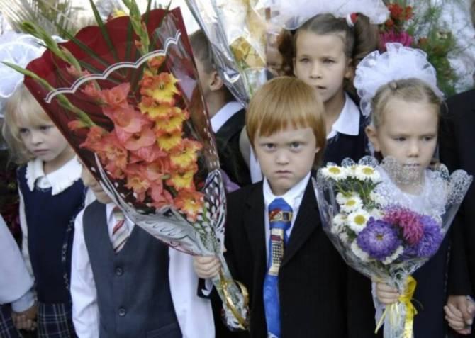 В брянских школах 1 сентября пройдет без традиционных линеек