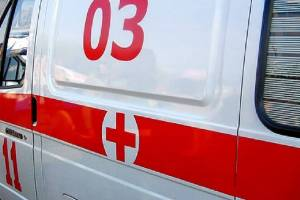 В брянском селе 52-летняя автоледи сломала ноги двум пенсионеркам