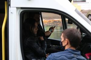 В Брянске за отсутствие масок наказали 12 водителей и 59 пассажиров