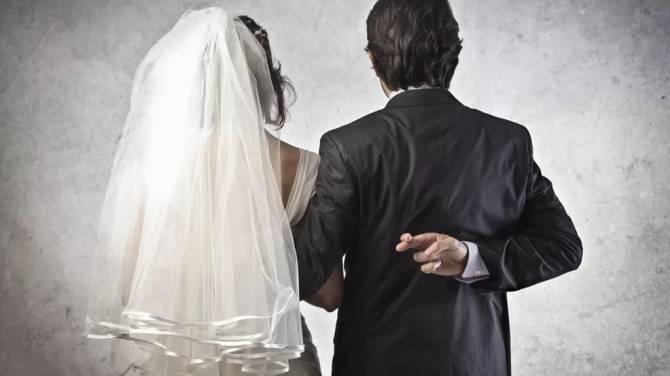 В Брянске прокуроры разрушили фиктивное семейное счастье между россиянкой и афганцем
