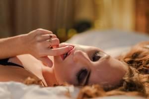 Мошенник выманил у девушки 4000 рублей за сокрытие ее интимных фотографий