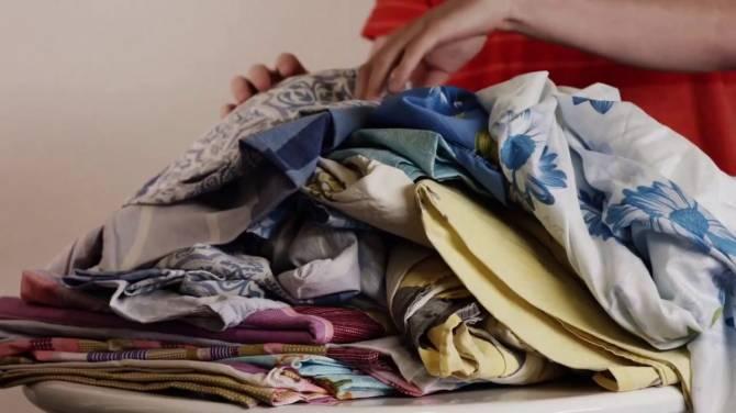У жителя Новозыбкова знакомая украла постельное белье и шторы
