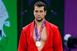 У брянского самбиста Артёма Осипенко лопнула грудная мышца