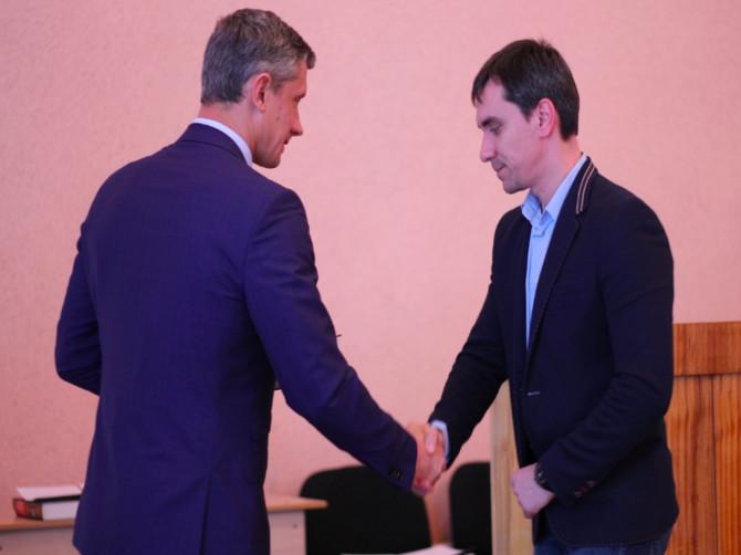 В Брянской области за взятку задержан экс-депутат Александр Толстенок