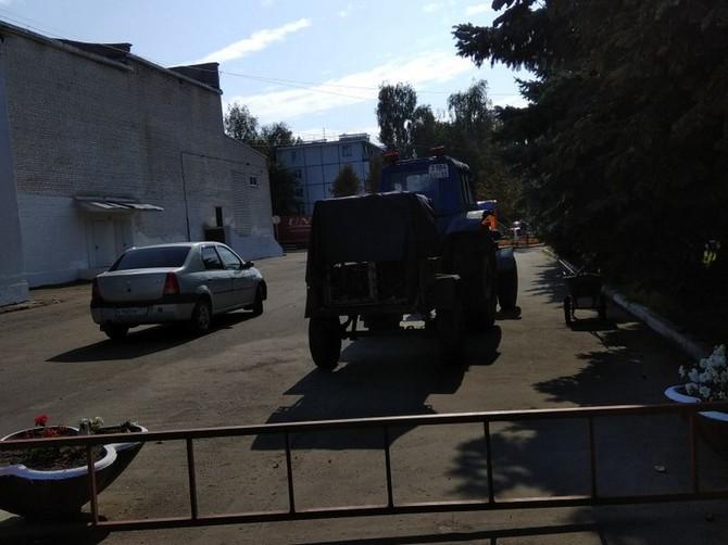 Жителей Карачева возмутил отлов собак с помощью трактора