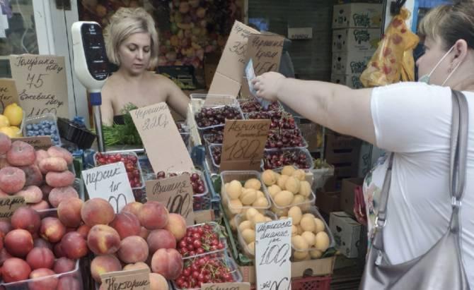 Крымская черешня начала экспансию на рынки Брянска