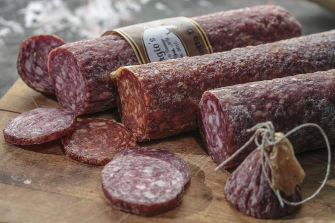 В Брянске раскрыли обман покупателей на сухой колбасе