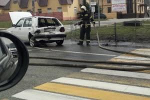 В Супонево перед светофором столкнулись две легковушки