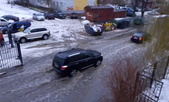 Брянская Атлантида: центр Фокинского района ушёл под воду