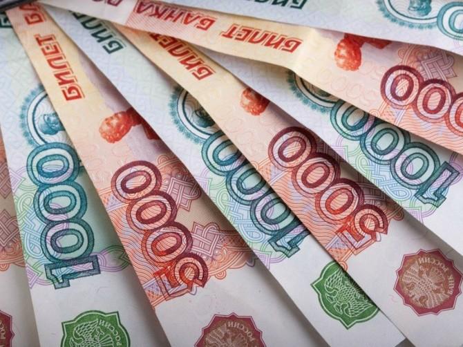 В Брянске 20-летнюю девушку в сети развели на 48 тысяч рублей