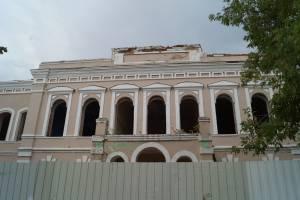 В Клинцах уничтожать историческое здание техникума продолжают дожди