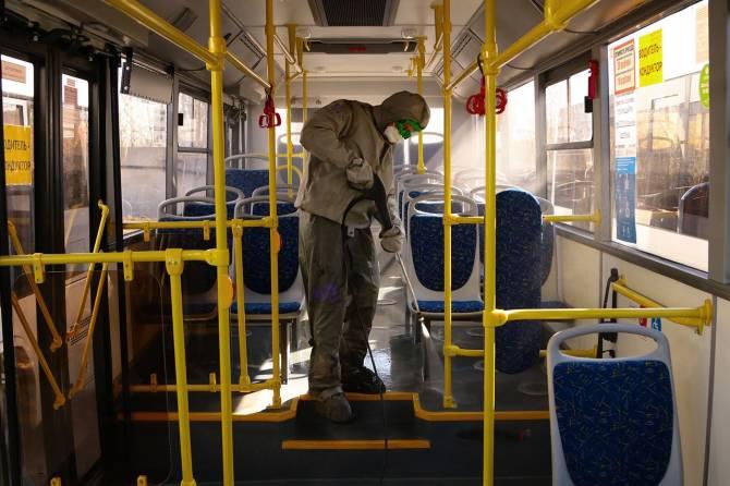 В Брянске каждый день дезинфицируют автобусы и троллейбусы