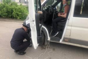 В Брянске за два дня на нарушениях попались 100 водителей автобусов