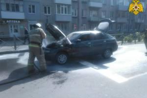 Брянские пожарные потушили горевший на улице Ново-Советской ВАЗ
