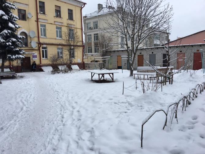 В Брянске определили подрядчиков для ремонта дворов