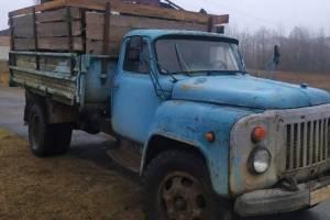 На Брянщине пограничники задержали восемь грузовиков с черным металлом