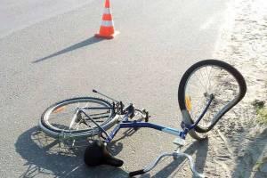 В Клинцах автоледи отбила ягодицу велосипедисту