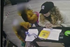 В Брянске женщина расплатилась фальшивкой в «Акстел»