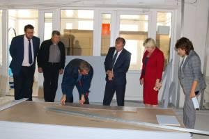 Мэр Брянска провел федеральному инспектору экскурсию по бежицким стройкам