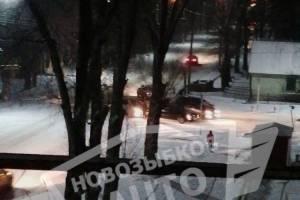 В Новозыбкове на скользкой дороге столкнулись две легковушки