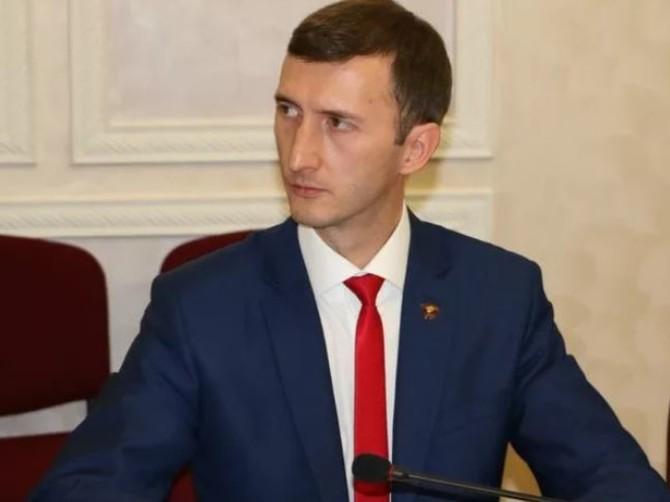 Брянский депутат Павлов гасит большой долг из зарплаты