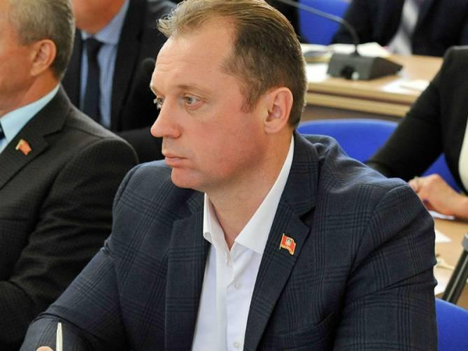 Депутат Сергей Антошин посоветовал коллегам не расслабляться