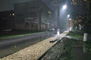 Аттракцион для экстремалов: В Унече после дождя появилась непроходимая улица