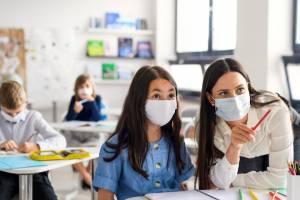 Брянские выпускники из-за коронавируса напишут сочинение весной