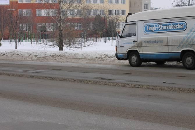 В Брянске нашли 10 соток дефектов на гарантийных дорогах
