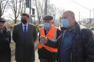 Брянские чиновники и депутаты проехались по убитым дорогам