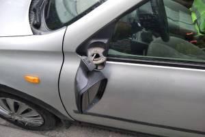В Новозыбкове ночью хулиганы сломали зеркало у авто