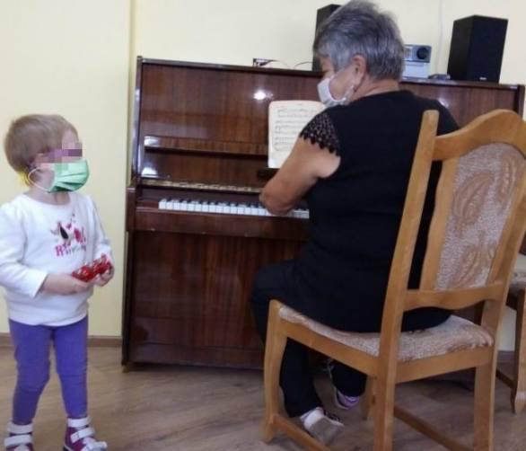 Истощенная брянская девочка продолжает реабилитацию в Карачевском доме ребенка