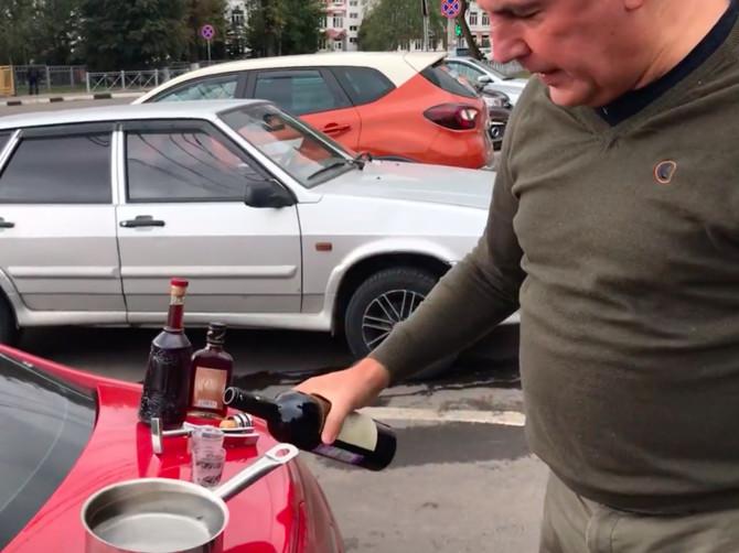 Брянский бизнесмен Коломейцев обвинил в фальсификации вина певицу