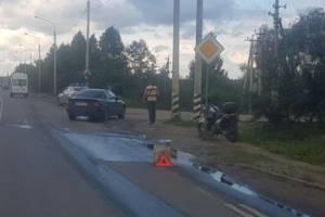 В брянском посёлке Большое Полпино байкер разбил голову об Audi