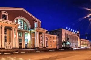 Пассажиров вокзала «Брянск-I» продолжают грабить нелегальные таксисты