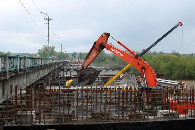 В Брянске смонтировали первую балку на Литейном мосту