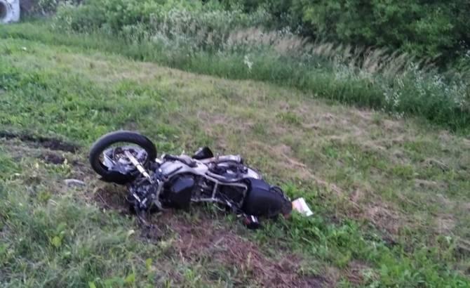 Под Брянском в жутком ДТП погиб 23-летний мотоциклист