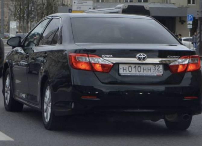 Чиновники губернатора Богомаза купили коврики для Toyota Camry